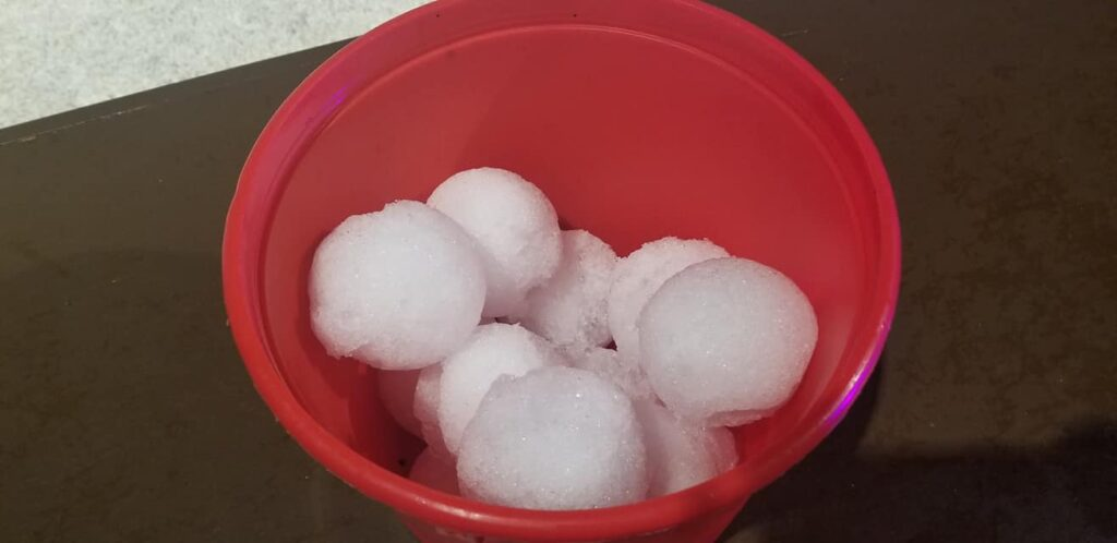gaylord palms ICE - snowballs in a bucket