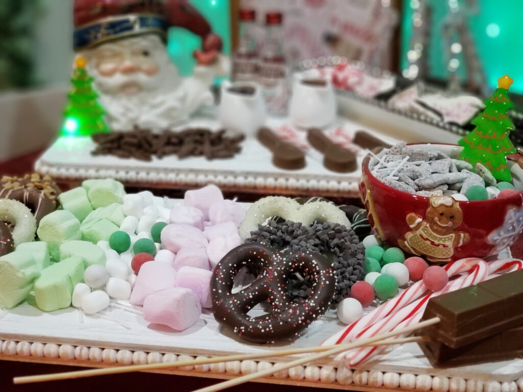 HOT COCOA CHARCUTERIE BOARD - pretzels and marshmellows