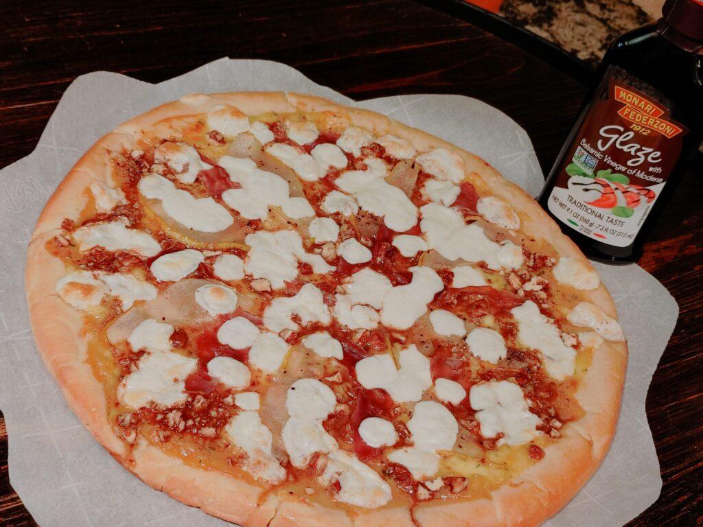 praline pear pizza